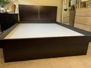Bed frame (full size) for Sale in Honolulu, HI