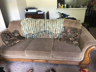 Couch for Sale in Fenton,  MO