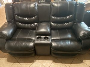 Recliner Love set, chair, & table set for Sale in Las Vegas, NV