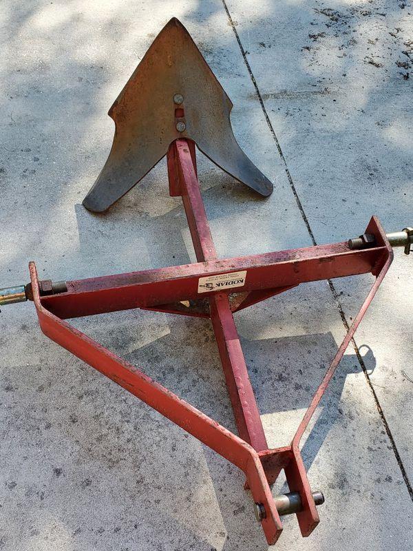 Massey Ferguson 83hp single point plow