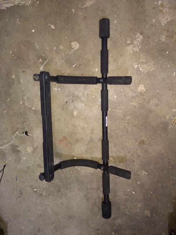 Over-door pull-up bar