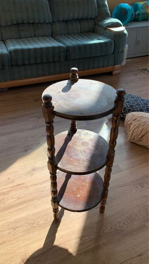 Small table for Sale in Terrebonne, OR