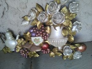 Home interior wall ornament.. good condition for Sale in Corning, CA