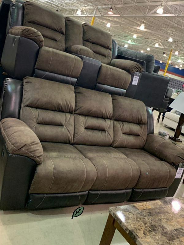📍📍💲39 Down Payment.📍SPECIAL] Earhart Chestnut Reclining Living Room Set ON DISPLAY