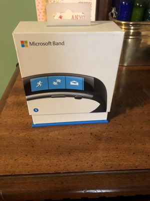 Microsoft band two. Small. Two chargers. for Sale in Tonawanda, NY