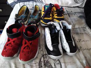 2 Jordan, 1 Reebok y 1 Toms (Size 8 - 9 for toodle) for Sale in Hialeah, FL