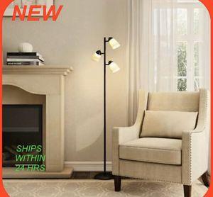 Hampton Bay 3-Light Floor Lamp, black for Sale in St. Petersburg, FL