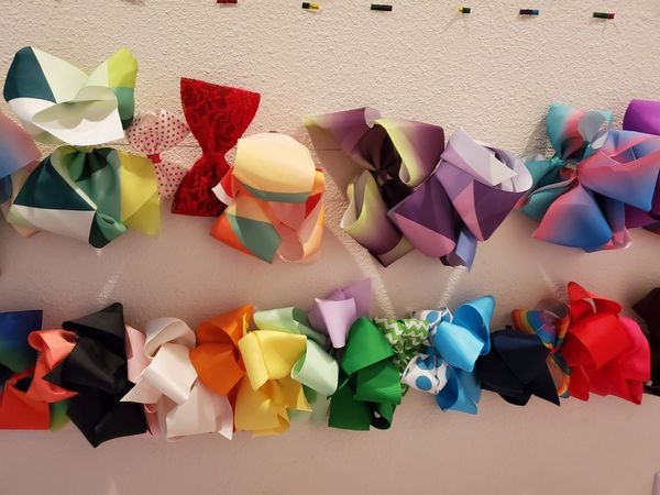 Lot of over 40 hair bows