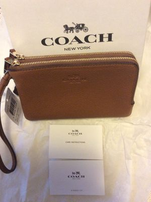 NEW in box with tags. COACH leather wristlet for Sale in Ashburn, VA