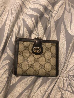 Gucci men's wallet for Sale in Davis, CA