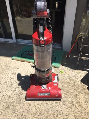 Hoover wind tunnel 12 amp vacuum cleaner for Sale in Laguna Niguel, CA