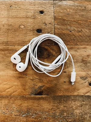 iPhone Thunderbolt headphones for Sale in Los Angeles, CA