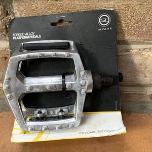 Sunlite Alloy Platform Bike Pedals for Sale in Bloomingdale, IL