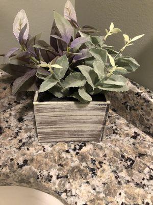 Silk planter for Sale in CORNWALL Borough, PA
