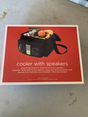Lunch cooler with speakers for Sale in Ontario, CA