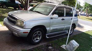 CHEVY TRACKER LT 2001, 4 DOORS, AUTOMATIC, AC,LOW MILES $2850! for Sale in BVL, FL