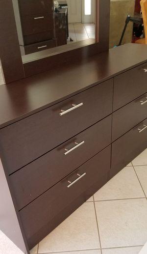 New dresser and mirror for Sale in Orlando, FL