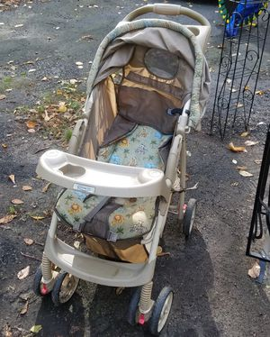 Graco travel system stroller with rear facing infant car seat for Sale in Burlington, CT
