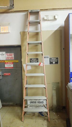 A frame ladder 10ft for Sale in Tampa, FL