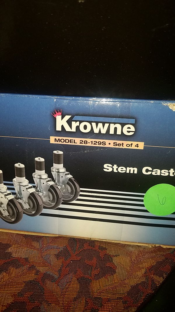 Heavy duty locking caster set for SS prep table