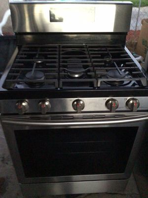 Samsung gas stove w/ convection oven for Sale in San Leandro, CA