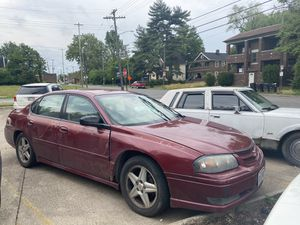 05 Chevy impala for Sale in Maple Heights, OH