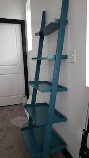 Book shelf, great condition (ladder style) for Sale in South Jordan, UT