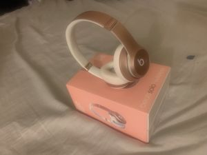 BEATS SOLO WIRELESS (ROSE GOLD) for Sale in Fresno, CA