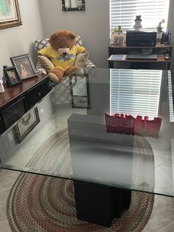 FREE DINING TABLE for Sale in Punta Gorda,  FL