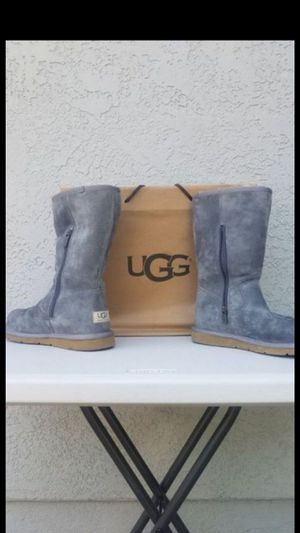 New UGG Boots size 7 for Sale in Los Angeles, CA