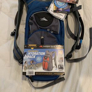 High Sierra Expandable Hydration Backpack, New With Tags, Biking, Hiking, Skiing for Sale in Los Angeles, CA