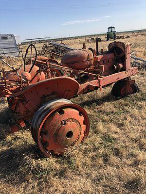 Yard Art (Tractor) for Sale in Escalon, CA