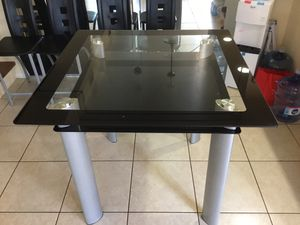 Tall kitchen table with 4 chairs for Sale in West Palm Beach, FL