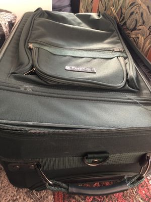 Suits case used very good condition for Sale in Herndon, VA