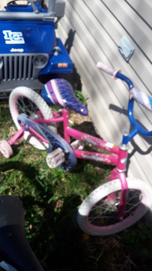Pink Glider Rellye bike with training wheels for Sale in Lexington, KY