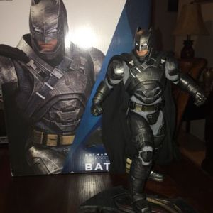 Dc Collectible Armored Batman for Sale in Los Angeles, CA