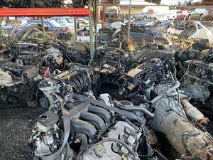 Todos tipos de motores y transmissiones for Sale in Miami Gardens, FL