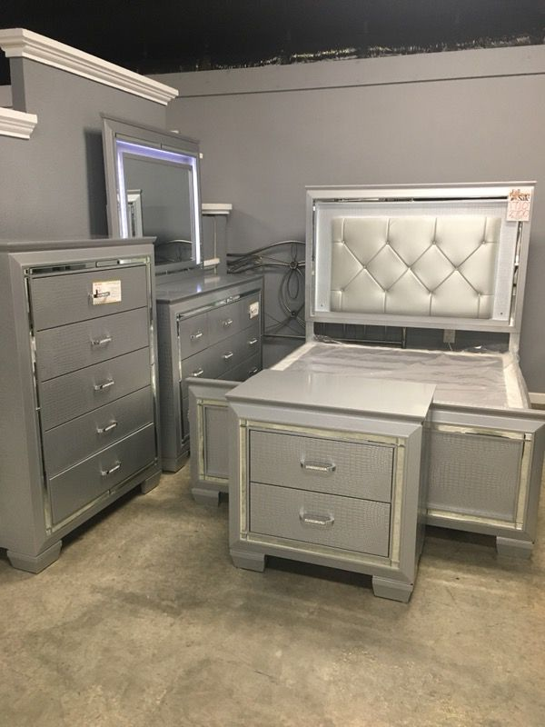Light Up Bedroom Set for Sale in Fayetteville, NC - OfferUp