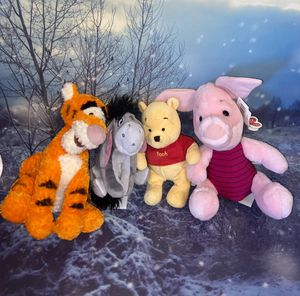 """Disney Winnie Pooh and Friends plush toys set approximately 8-12"""". for Sale in Bellflower, CA"""