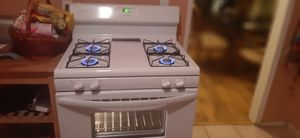 Frigidaire White stove for Sale in Long Beach, CA