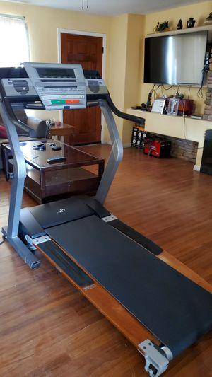 Nordictrack 5600R treadmill for Sale in Phoenix, AZ