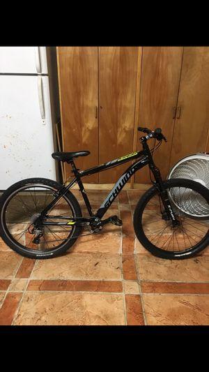 Custom built schwinn ranger 26in trade for road bike for Sale in Miami, FL