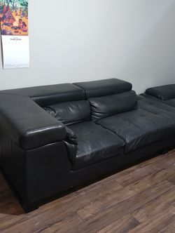 Black Leather Couches (2 Piece Set) for Sale in Irving,  TX