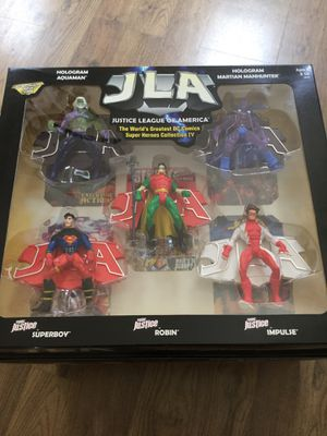 Justice League Of America Young Justice collection 4 action figures for Sale in Freehold, NJ