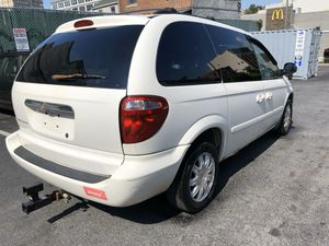 2006 Chrysler town & country for Sale in Brooklyn, NY