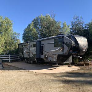 2017 Heartland Cyclone 4250 5th Wheel for Sale in Vista, CA