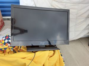 Emerson 32 in TV on stand for Sale in Tulsa, OK