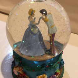Cinderella Musical Snow Globe for Sale in Rosemead,  CA