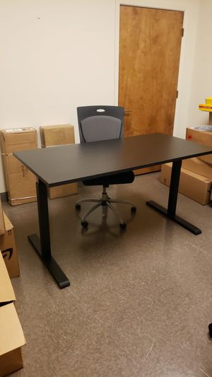 Standing desk for Sale in Saginaw, TX