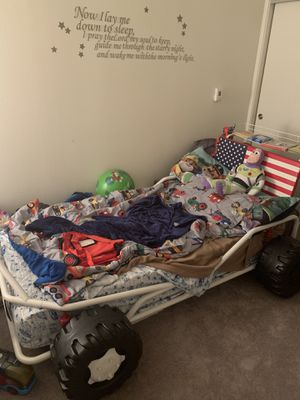 Twin Size Race Car Bed for Sale in San Francisco, CA